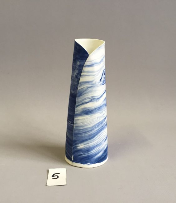 #5 blue dragbrush budvase